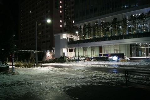 新宿南口近くのサザンテラス裏のJR南新宿ビルホール